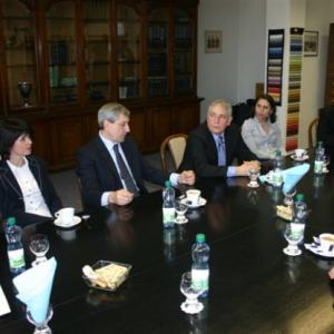 Návštěva byla přivítána vedením Nové Mosilany. Součástí přivítání bylo i malé občerstvení.